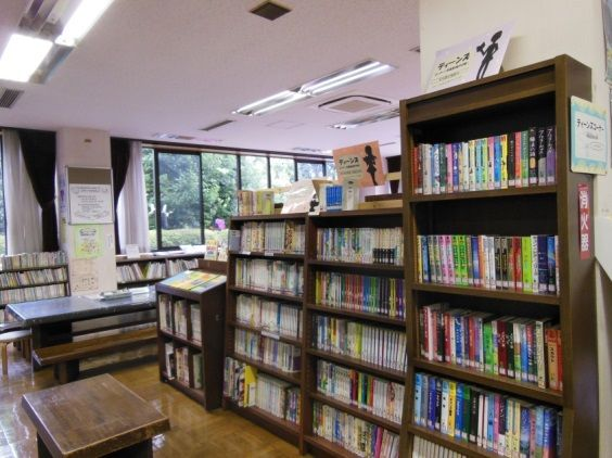 画像:上宿図書館 外観